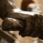 800 x 350 Die Hand der Macht Rom Büste